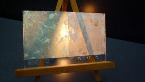 ガラスに塗装された木性ペイント