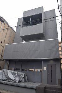 家具業界では珍しく塗装工場を備える(塗装スタジオ)
