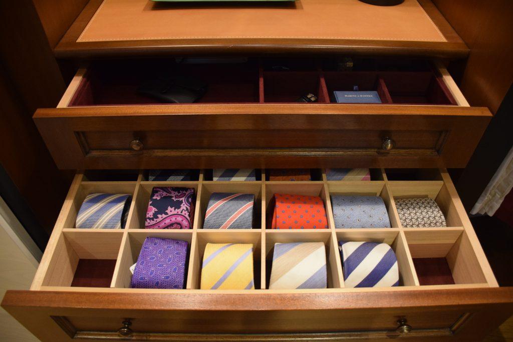 設計、製作、施工まで一貫生産体制を構築。特注家具の難プロジェクトも請負う