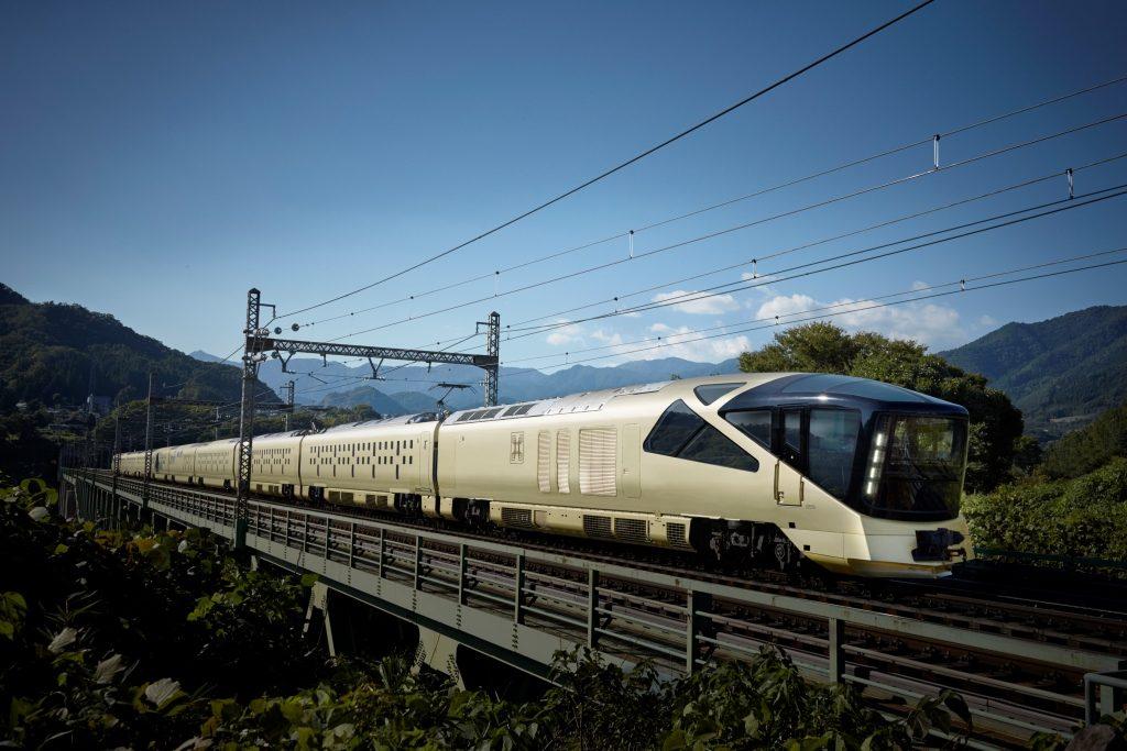 新しい時代の豪華さに満ちたスタイルを提供する「四季島」(写真=JR東日本提供)